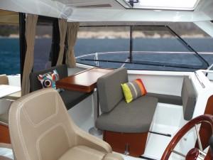 internal motor boat Jeanneau