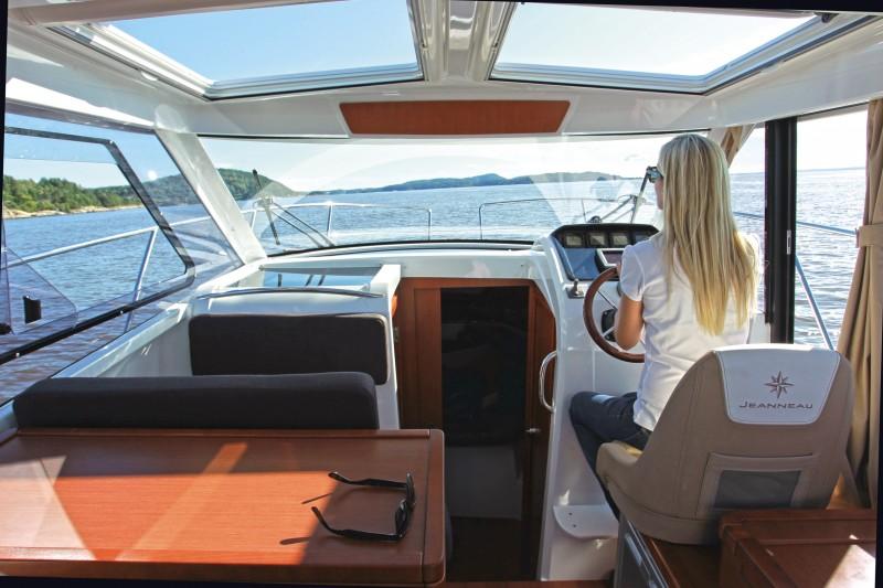 foto panoramica interno barca