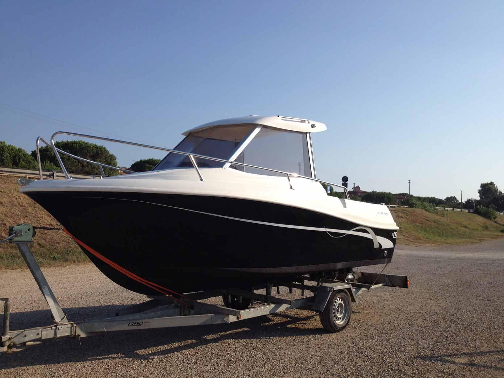 Barche in vendita in toscana open cabin e barche da pesca for Barca a vapore per barche da pesca