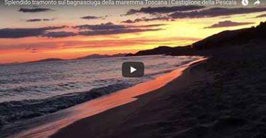Tramonto sul bagnasciuga della maremma Toscana