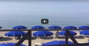 ombrelloni a riva del sole